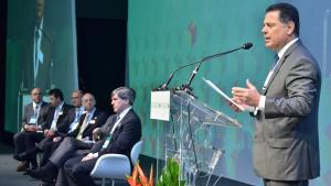 Em conferência internacional, Marconi lança desafio de sobretaxar combustíveis fósseis