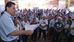 Em campanha por cinco cidades, Marconi faz promessas e busca proximidade com a população