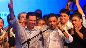 """Em propaganda política, Aécio diz que Marconi é o """"melhor governador do Brasil"""""""