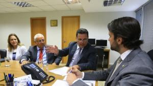 Marconi se reúne com lideranças para tratar de investimentos para região do Entorno