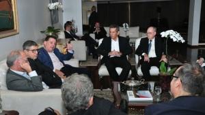 Marconi reúne nomes influentes do Brasil para discutir rumos da economia