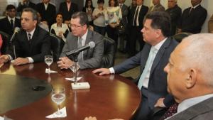 Manoel Xavier e João Furtado assumem pastas no governo