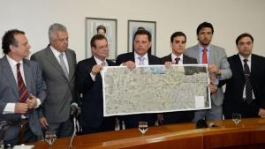 Governo e prefeituras assinam contrato para construção de contorno viário em novo trecho da BR-153