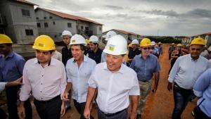 """Marconi lança """"Goiás na Frente Habitação"""" para construir 30 mil casas em todo o Estado"""