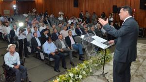 """""""É a maior feira de Goiás e uma das melhores do Brasil"""", diz Marconi na abertura da pecuária"""