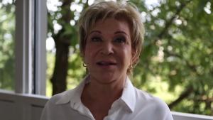Marta Suplicy oficializa saída do PT