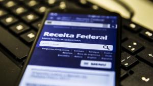Governo federal quer elevar teto do IR para R$ 3 mil por mês
