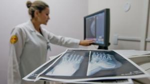 Governo federal cria decreto que acaba com especialização médica, denuncia CFM