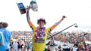 Gabriel Medina é o primeiro brasileiro campeão mundial de surfe