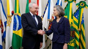 Michel Temer viaja e Cármem Lúcia assume a Presidência da República