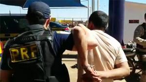 Caminhoneiro é preso após ser flagrado com recorde de embriaguez em rodovias