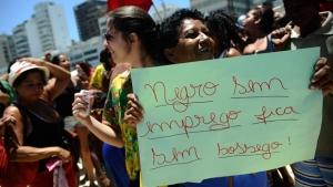 Desemprego e informalidade afetam mais negros que brancos no Brasil, revela IBGE
