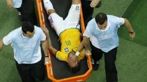 Confira vídeo: Jogadores confortam Neymar após notícia de que o atacante está fora do mundial