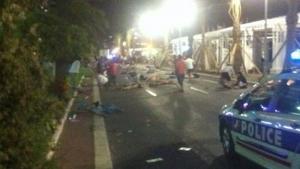 Homem atropela e mata dezenas de pessoas em novo atentado na França