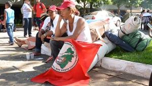 Secretaria da Fazenda de Goiás é ocupada por cerca de dois mil camponeses