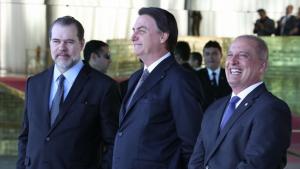 Bolsonaro precisa parar de fazer oposição ao seu governo e trabalhar pela recuperação do Brasil