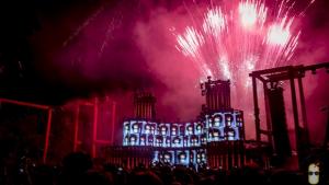 """Festa em Goiânia cria modelo de venda de ingressos """"anti-cambista"""""""