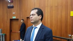 """Novo líder, Oséias Varão diz que impeachment de Iris é coisa de """"político que quer aparecer"""""""