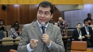 Oseias Varão critica reforma administrativa da Câmara e troca farpas com Policarpo