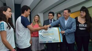 Após Anápolis e Rio Verde, governo levará Passe Livre Estudantil a Jataí e Catalão