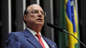 Rodrigo Maia afasta Paulo Maluf do mandato de deputado e convoca suplente