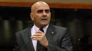 """Deputado Paulo Cézar Martins vota em um tal de """"Luiz Sauer"""" para presidente da Assembleia Legislativa"""