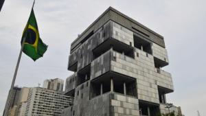 Petrobras anuncia redução de US$ 11 bi em investimentos