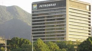 """Executivo relata """"clube"""" de empreiteiras para ganhar obras da Petrobras"""