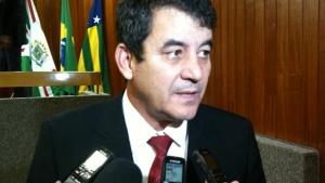 Temendo derrota, base e prefeitura travam votação do aumento de IPTU/ITU