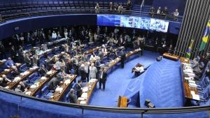 Senado vota proposta que inviabiliza aplicativos de transporte individual no Brasil