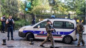 Polícia prende suspeito de atropelar militares na França