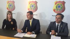 """""""Falsários levavam vida dupla"""", diz delegada que investiga fraude no INSS"""