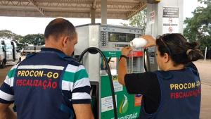 Procon e Secretaria da Fazenda fazem operação conjunta em postos de combustível