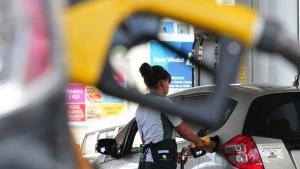 Fiscalização autua dois postos de combustíveis em Goiânia