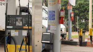 Justiça determina que mais 96 postos diminuam preço do etanol em Goiânia