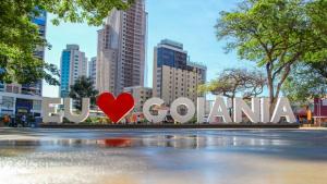 Governador de Brasília sanciona lei que cria o Dia dos Goianos no DF