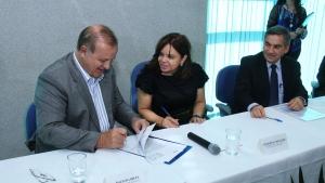 Prefeitura celebra convênio com governo federal para criação de corredores exclusivos em seis avenidas de Goiânia