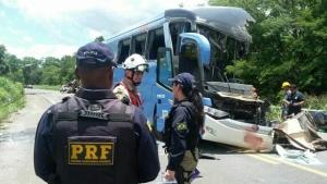 Motorista do ônibus pode ter cochilado e causado acidente grave na BR-020