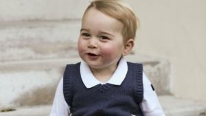 Família real divulga fotos oficiais de Natal do príncipe George