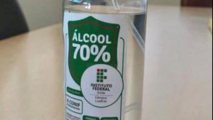IFG produz álcool 70% para distribuir à comunidade de Luziânia
