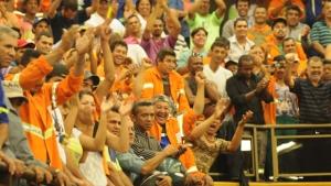 Servidores da Comurg lotam plenário da Câmara contra projeto que prevê terceirização de serviços