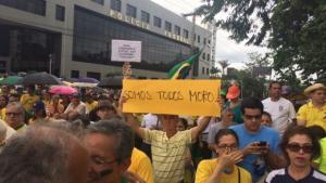 Na véspera de julgamento, manifestantes vão às ruas em Goiânia pela condenação de Lula