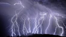 Mais de 1,2 milhão de raios foram registrados em Goiás em 2019