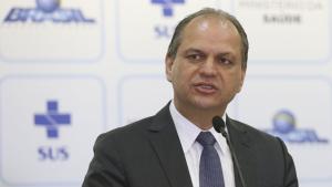 Ministro da saúde diz que médicos do SUS têm que parar de fingir que trabalham