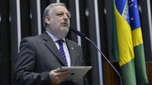 Ministro das Comunicações ressalta necessidade de novas estratégias para conter crise