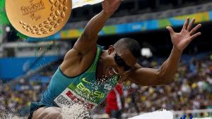 Ricardo Costa conquista primeiro ouro do Brasil no salto em distância para cegos