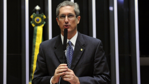 Em vídeo no Facebook, Rogério Rosso lança candidatura à Presidência da Câmara