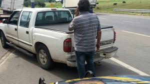 Motorista com documento falso e quase 100 multas é apreendido pela PRF