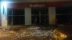 São Miguel do Araguaia vive noite de terror nas mãos de assaltantes de banco