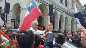 Chilenos escolhem novo presidente em meio a divisão em coalizão de Bachelet